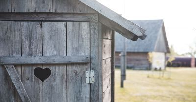 Japanische Toilette © Aleksandrs Muiznieks/ Shutterstock.com